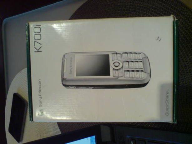 Sony Ericsson K700i - słuchawki , ładowarka sam. , płyty,opakowanie