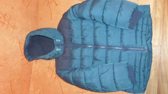 Продам фирменную демисезонную курточку