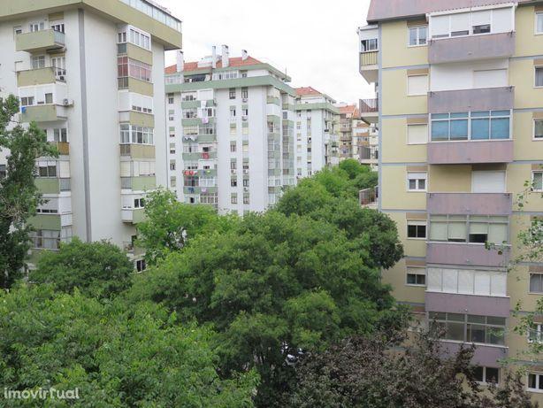 Apartamento T3 à venda Torres de Lisboa