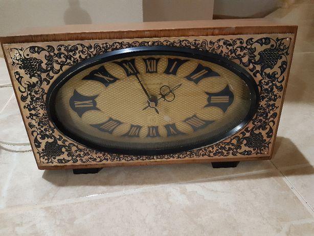 Zegar kominkowy elektromechaniczny Jantar (ZSRR)