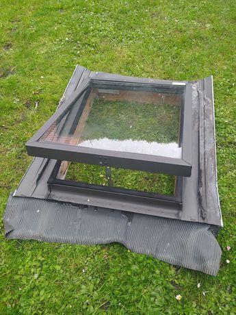 Okno dachowe wyłaz z kołnierzem