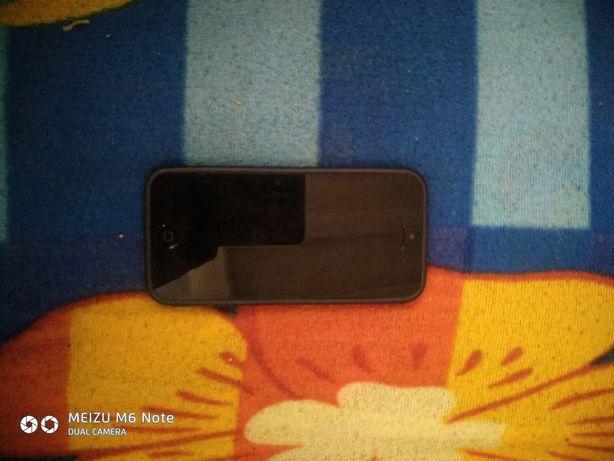 Продам телефон в хорошем состояние  IPhone 5