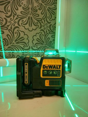 DeWalt DCE089D1G 3-х плоскостной самовыравнивающийся нивелир уровень