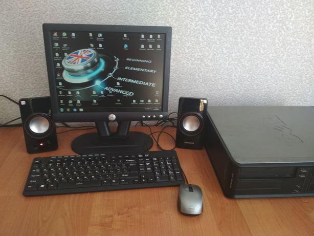 Компьютер DELL в рабочем состоянии