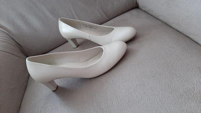 Pantofle skórzane / ślubne