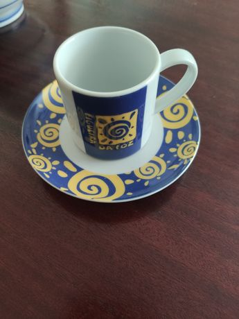 Pires e chávenas de café para colecionadores