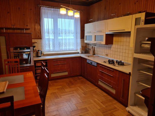 Mieszkanie na piętrze w domu jednorodzinnym