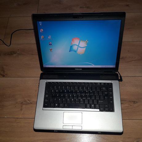 Toshiba L300 Intel Pentium T3200 2GHz 250GB 4Gb Wifi CDRW/DVD Win7