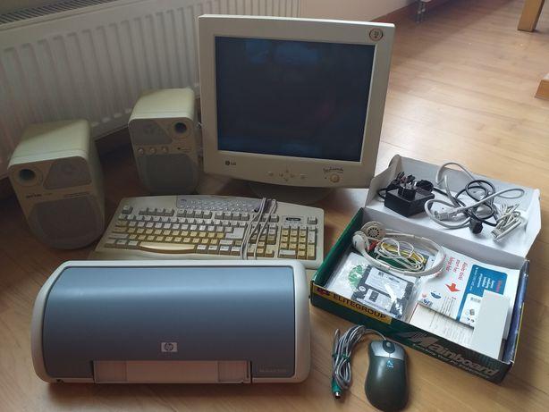 Komputer stacjonarny + drukarka, głośniki, myszka itp.