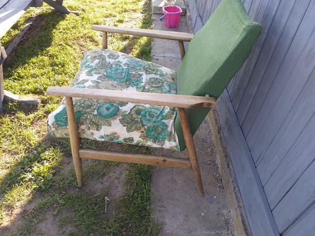 Sprzedam Fotel PRL