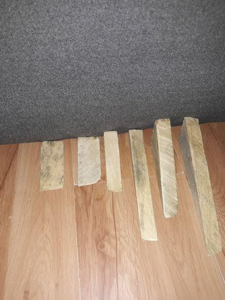Klin drewniany.