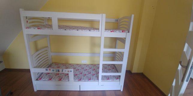 Drewniane lóżko piętrowe + 2 materace drabinka barierka jak nowe