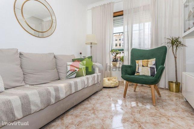 Apartamento T2 com arrecadação - Qta da Lomba – Junto ao Parque Cidade