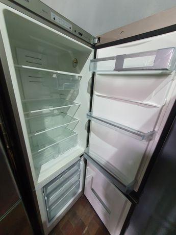 Холодильник системи No Frost від2500грн.Гарантія 3міс.доставкавід200гр