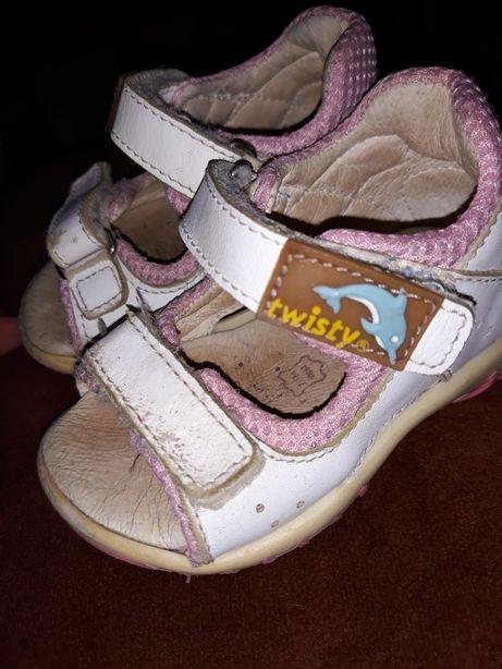 Сандали , тапочки , туфли