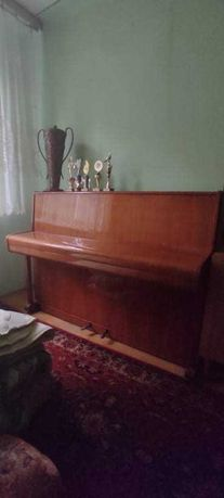 Pianino Calisia w dobrym stanie