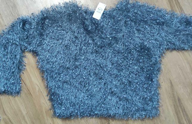 Nowy niebieski włochaty sweterek, rozmiar M