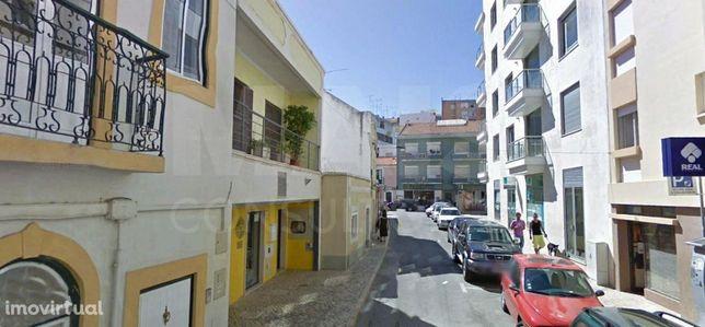 Moradia e Comércio no centro de Vila Franca De Xira