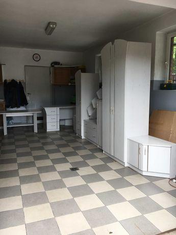 Meble pokojowe - szafy, stół i biurko