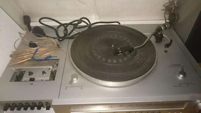 Gira discos Toshiba SM2850