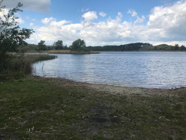 Działka bezpośrednio nad jeziorem na obszarze rekreacyjnym