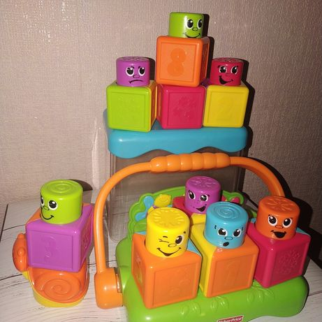 Забавные кубики-блоки в ведерке fisher price