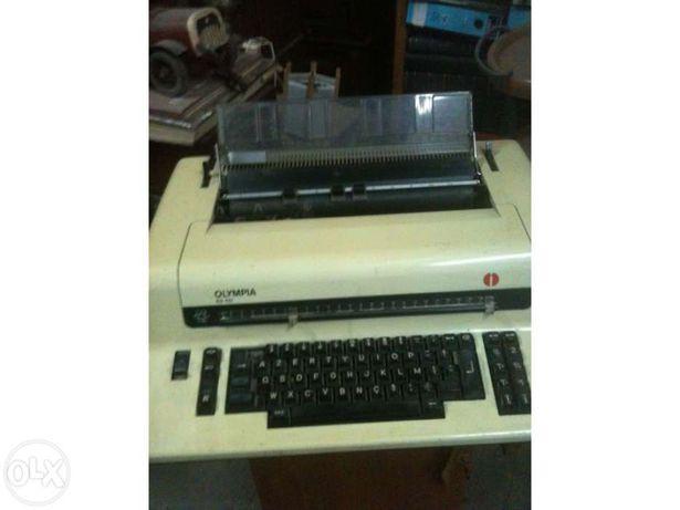 Máquina de escrever Olympia (novo preço)