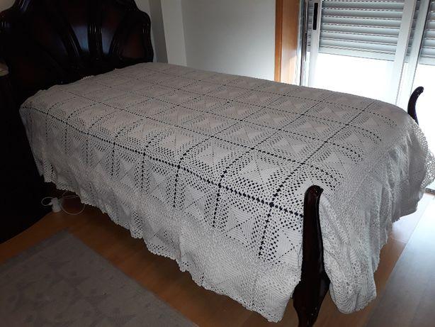 Colcha de croché feita a mão para cama de solteiro