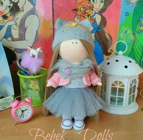 Интерьерная текстильная кукла ручной работы с котиком. Рост 26 см .