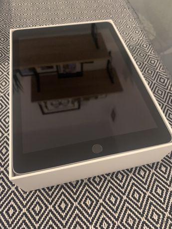 iPad 2018, 9.7' 32gb. Wi-Fi, Space Grey