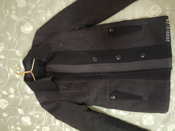 Пальто-пиджак утеплённый на осень