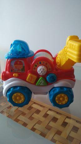 Kolorowy wóz strażacki Adaś Clementoni