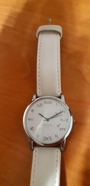 Оригинальные наручные часы + новые батарейки