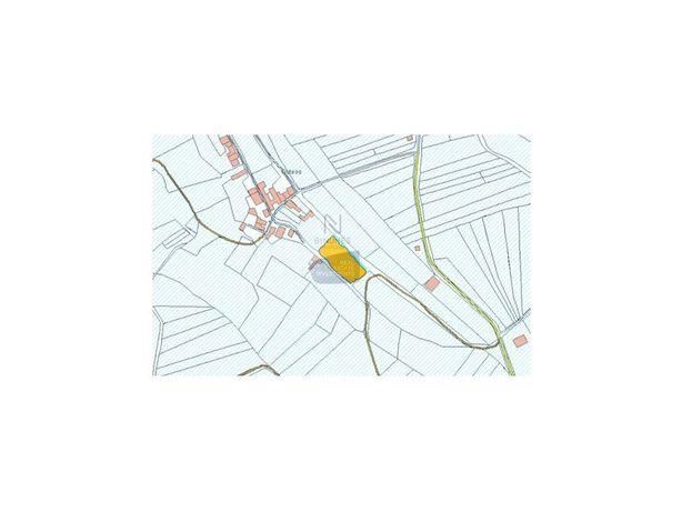 Terreno com 2.760 m2. Rústico: 1.150 m2 e Urbano tipo D: ...