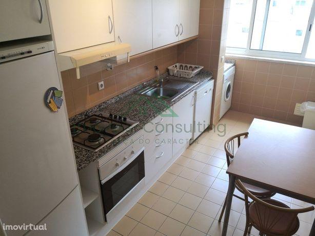 Apartamento T1| Equipado| arrecadação| Garagem| Olaias