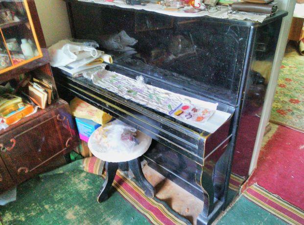 Продам пианино Украина, давно никто не играл.