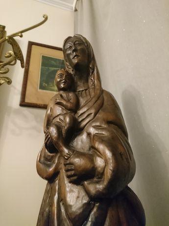 Madonna z dzieciątkiem. Antyk. Rzeźba w drewnie.Kapliczka.