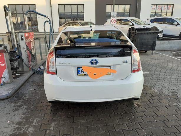 Продам Toyota Prius 2012