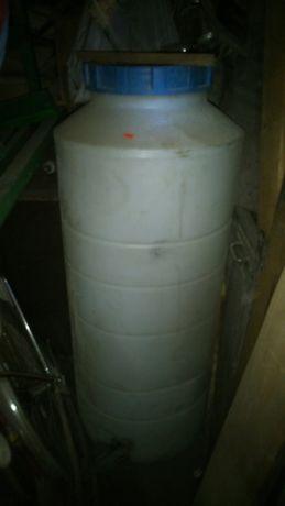 Бочки пластиковые 50 и 300 л