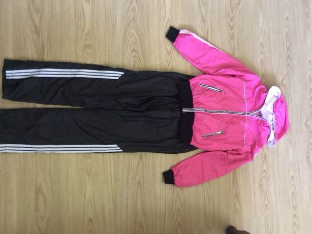 Продам женский спортивный костюм