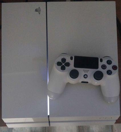 konsola SONY PLAYSTATION 4 biała + dodatki