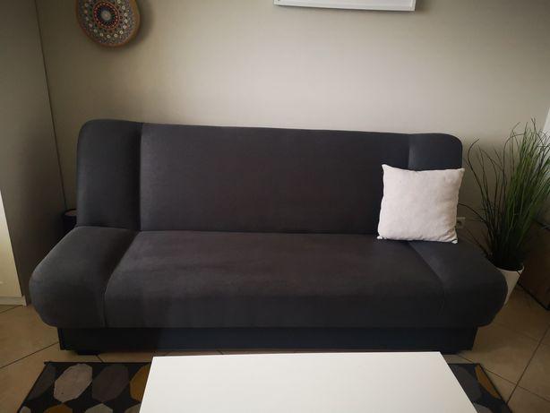 Szara kanapa rozkładana