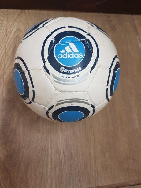 Piłka adidas
