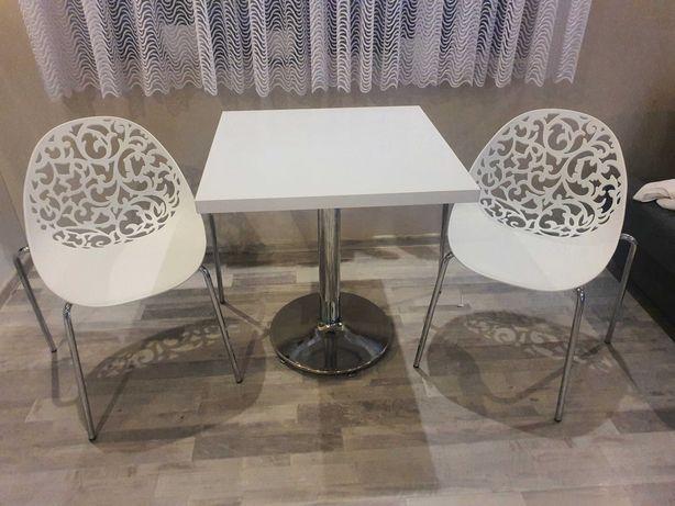 Sprzedam stolik z krzesłami