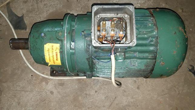 Reduktor motoreduktor silnik elektryczny  5.5kW 300 obr