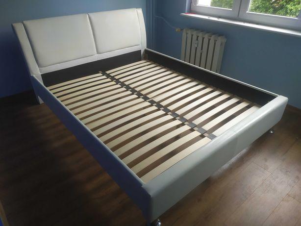 Łóżko ze stelażem 160x200
