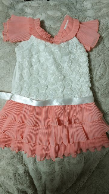 Нарядное платье. Р. 86 1-2 года