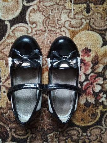 Нарядные туфли (туфельки) для девочки