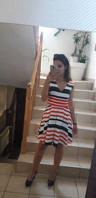 Sukienka w paski Mohito