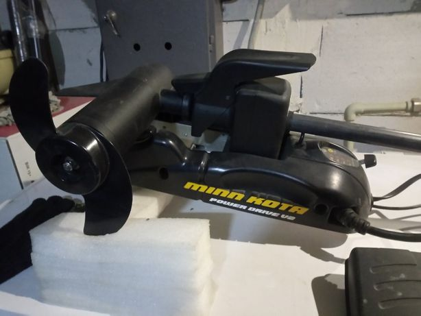 Троллинговый электромотор для лодки minn kota power drive v2